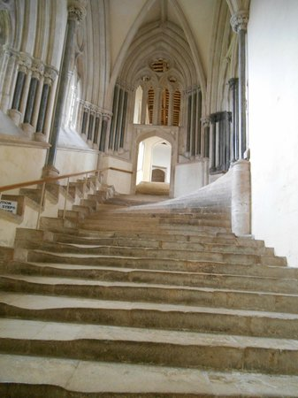 Wells Cathedral : Steps going to the Chapter House