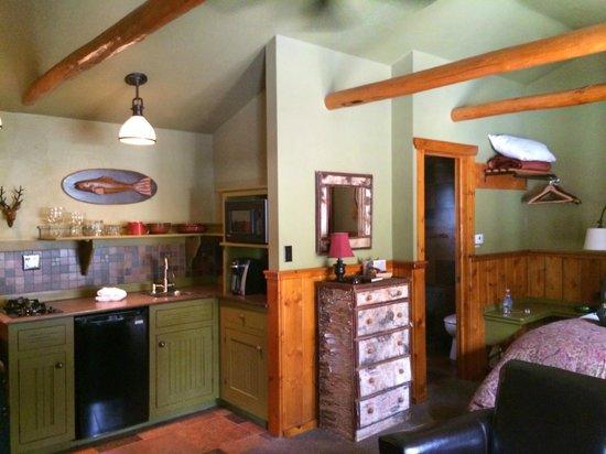 Highland Haven Creekside Inn : Creekside Cottage 1