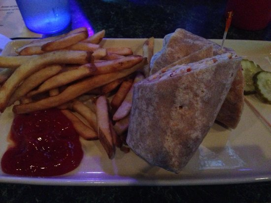 Shoeless Joes Ale House & Grille: Cajun Wrap - get it with a side of ranch!
