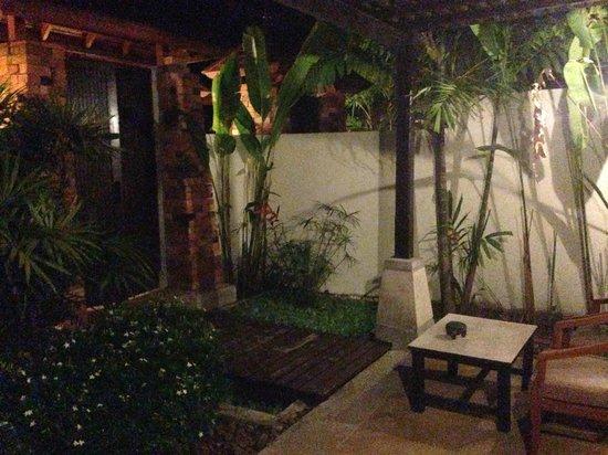 Railay Bay Resort & Spa: Room's front yard