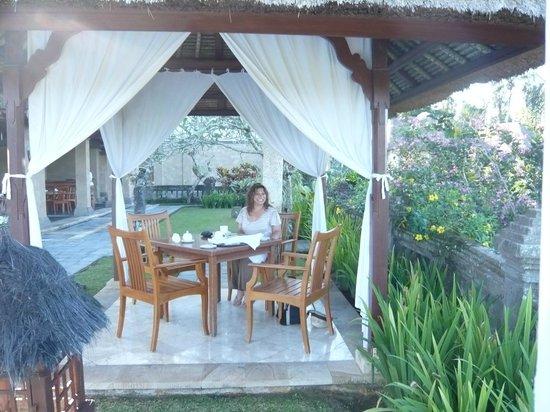 Puri Wulandari Boutique Resort: Breakfast at the Pavillion