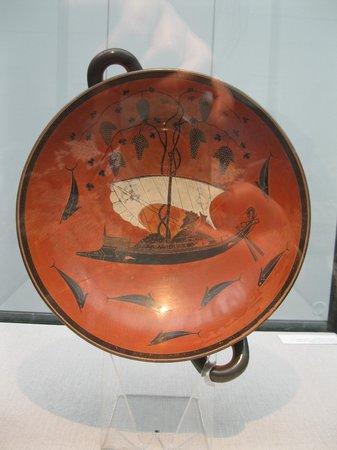 Staatliche Antikensammlung: Uma lenda contada em imagens:o rapto de Dioniso