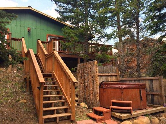 StoneBrook Resort: back of our cottage