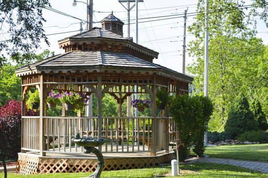 Branson KOA & Convention Center: Gazebo