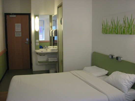 Ibis Budget Antwerpen City Central Station: Comfortable room