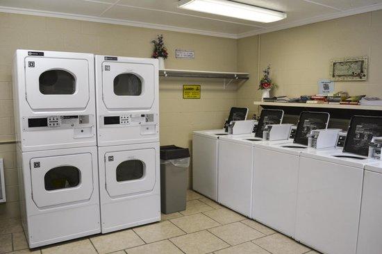 Branson KOA: Laundry Room