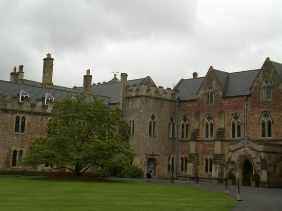 The Bishop's Palace and Gardens: Another view of the Bishop's Palace