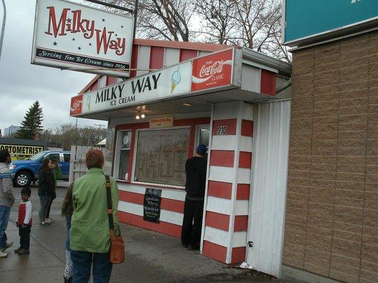 Milky Way Ice Cream : Ice Cream at it's best