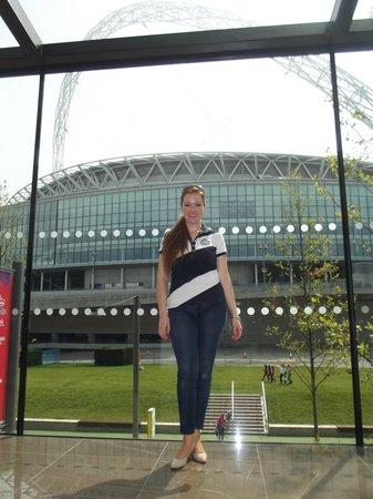 Hilton London Wembley: Vista de Wembley Stadium desde adentro del hotel