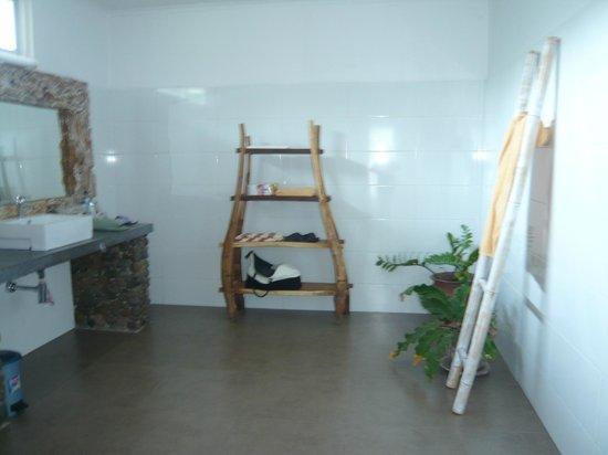 The Trawangan Resort : Bathroom