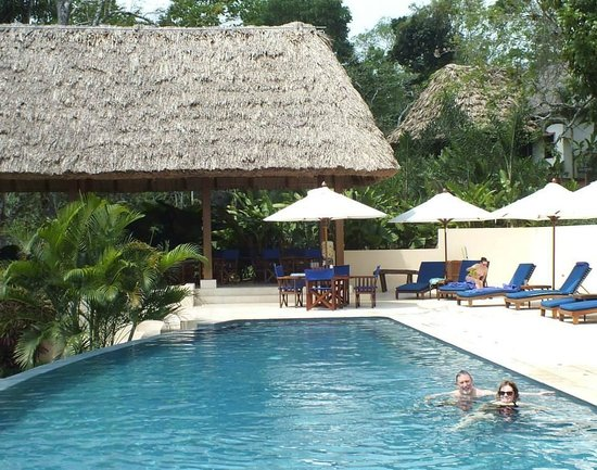 The Lodge at Chaa Creek: Loved the pool