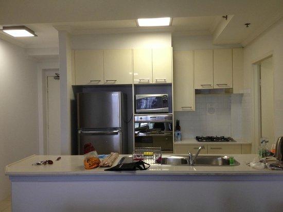Meriton Serviced Apartments Bondi Junction : 使い勝手の良いキッチン