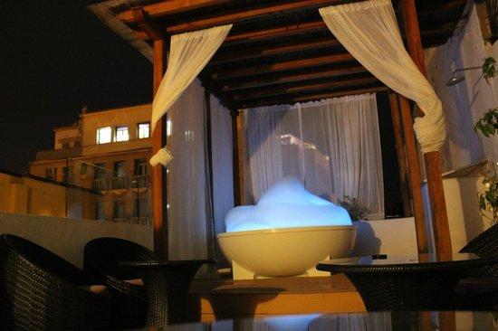 Alfiz Hotel: Roof hot tub