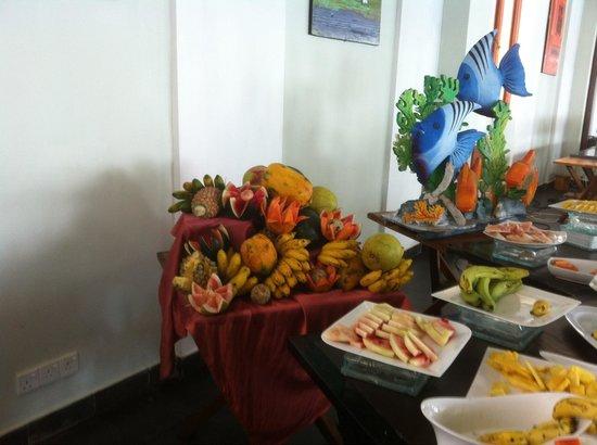 The Long Beach Resort & Spa: Фрукты на завтрак