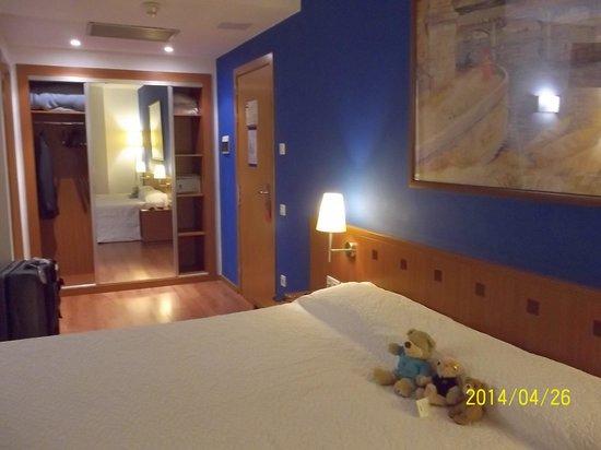 Hotel Acta Azul Barcelona : 部屋
