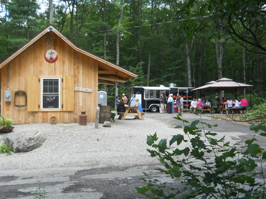 Eastford, CT: Frog Rock Rest Stop
