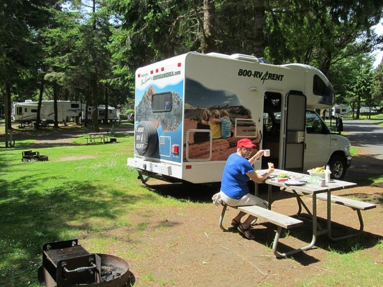 RV Resort at Cannon Beach: We were well parked at Cannon Beach RV Park