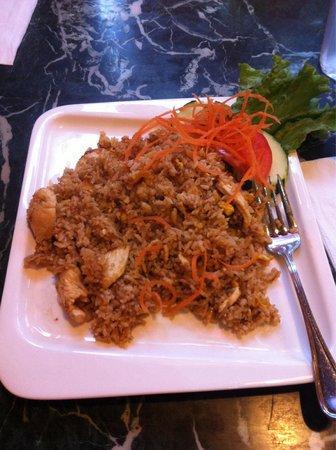 Tuk Tuk Thai Cafe : Riz thaï œuf poulet