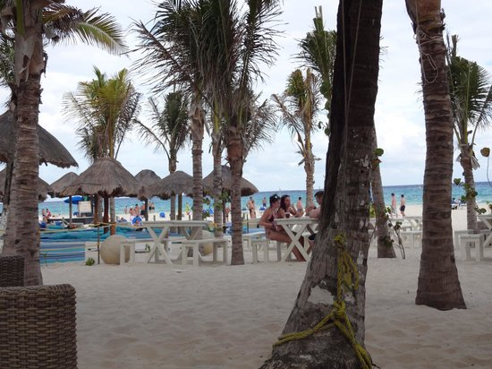 Sandos Playacar Beach Resort : Beaucoup de chaise disponible