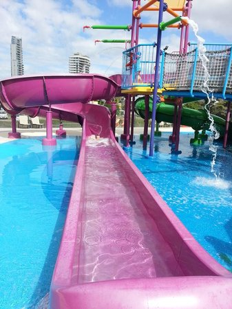 Paradise Resort Gold Coast: Waterslide