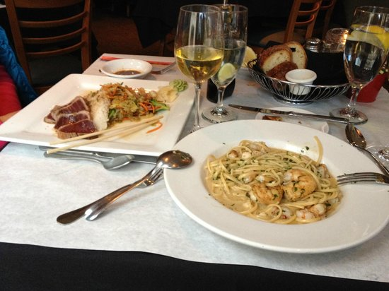 Montauk Seafood Grill: Ahi Tuna and Seafood Linguini