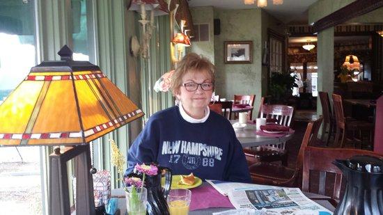 Woodstock Inn, Station & Brewery: Happy, sleepy wife