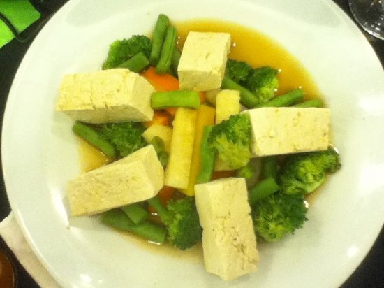 The Linden Suites : Steamed tofu and vege with supreme sauce