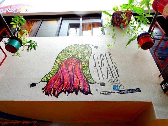Supertramp Eco Hostel: Decoración