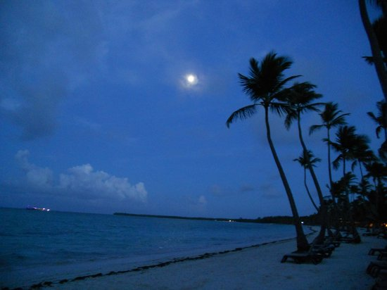 Barcelo Bavaro Beach - Adults Only: full moon