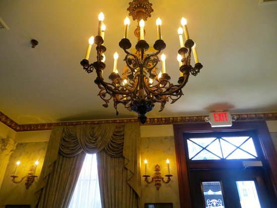 Le Richelieu in the French Quarter : Beautiful inside and out