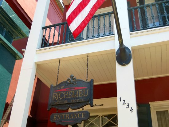 Le Richelieu in the French Quarter : Gorgeous entrance