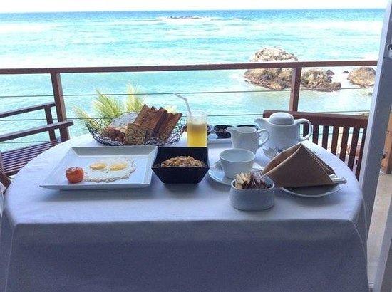 Garton's Cape : Breakfast in the room