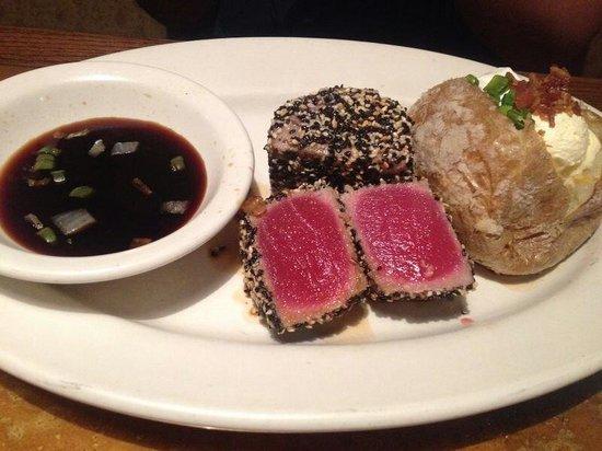Outback Steakhouse: Muy rico el atun lo recomiendo