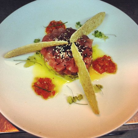 avocado, tuna and roast chilli salsa - Picture of Elsewhere, Sanur ...