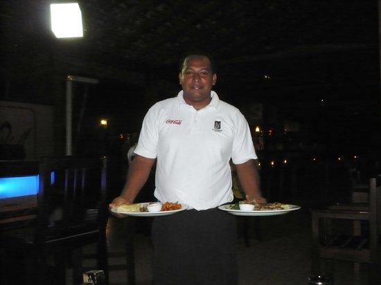 La Casserole: Darwin Francisco with our dinner