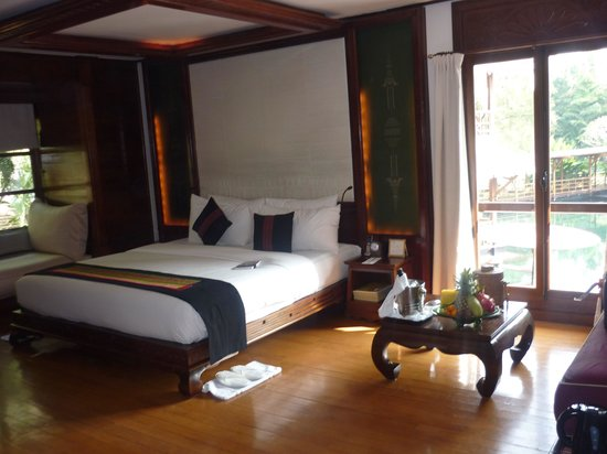 Belmond Governor's Residence : Governor's room overlooking the pool#1