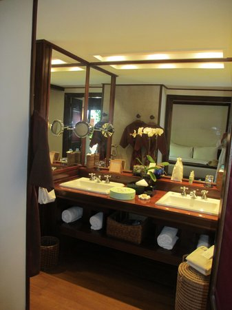Belmond Governor's Residence : Bathroom
