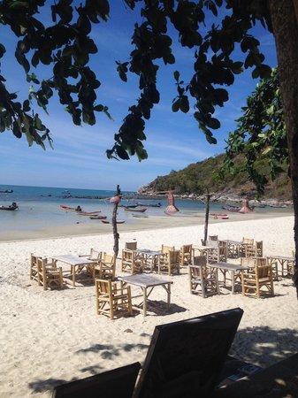 Havana Beach Resort: Hotel restaurant on the beach
