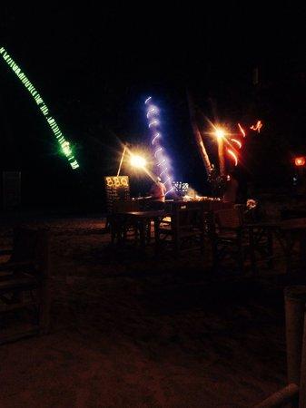 Havana Beach Resort: Seafood BBQ on the beach