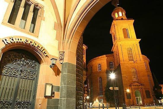 St. Paul's Church (Paulskirche) : Paulsplatz