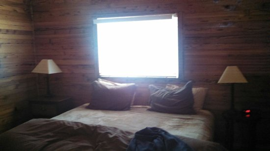 Chalet View Lodge : Spacious cabin room