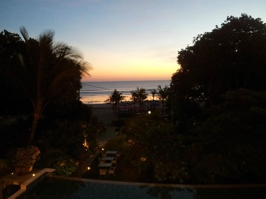 The Camakila Legian Bali: Sunset drinks view