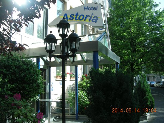 Astoria Hotel: External view of hotel
