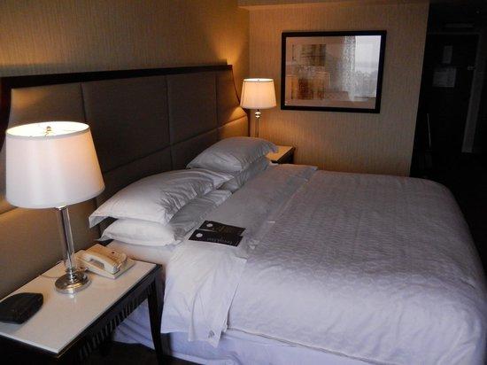 Sheraton Hamilton Hotel: Comfy bed