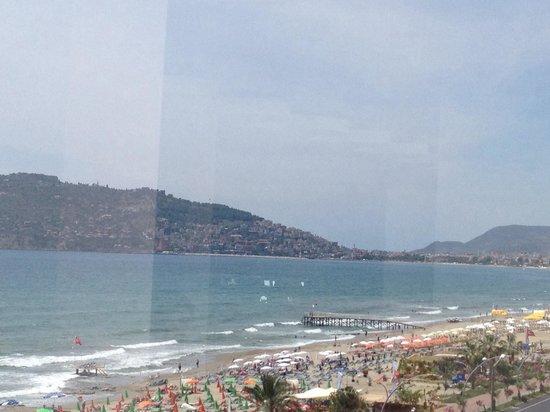 Emir Fosse Beach Hotel: Вид из ресторана днём