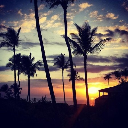 Wailea Ekolu Village Resort: sunset from the lanai