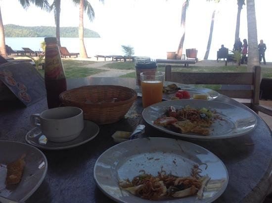 Sunset Beach Resort: breakfast by the beach