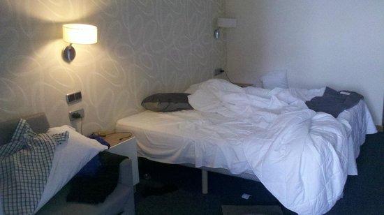 Hotel RH Corona del Mar: twin beds