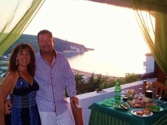 Ristorante Pizzeria Piccolo Paradiso da Mario's: Just look at the vista over the bay of Peschici