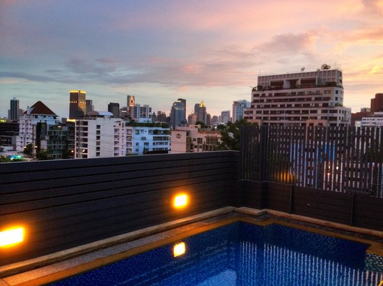 Hotel Solo Sukhumvit 2 : The pool
